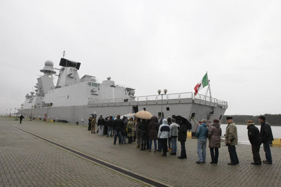 Klaipėdiečiams dar viena pramoga – italų karinis laivas