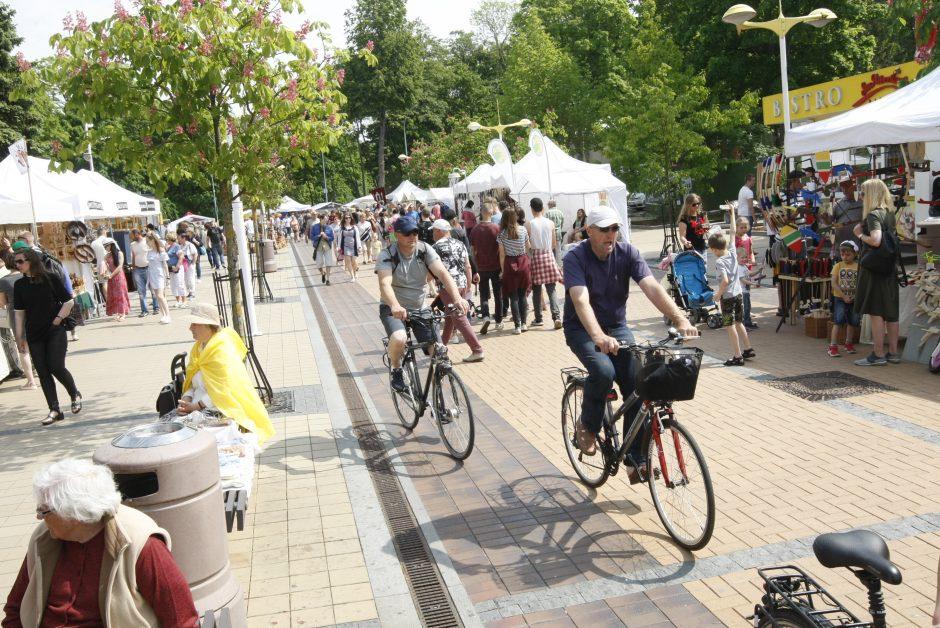 Palanga pasitinka vasarą: renginiai sutraukė minias poilsiautojų