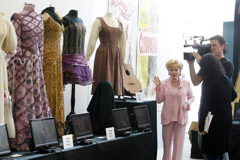 """J. Andrews """"Muzikos garsų"""" kostiumai parduoti už 1,3 mln. dolerių"""