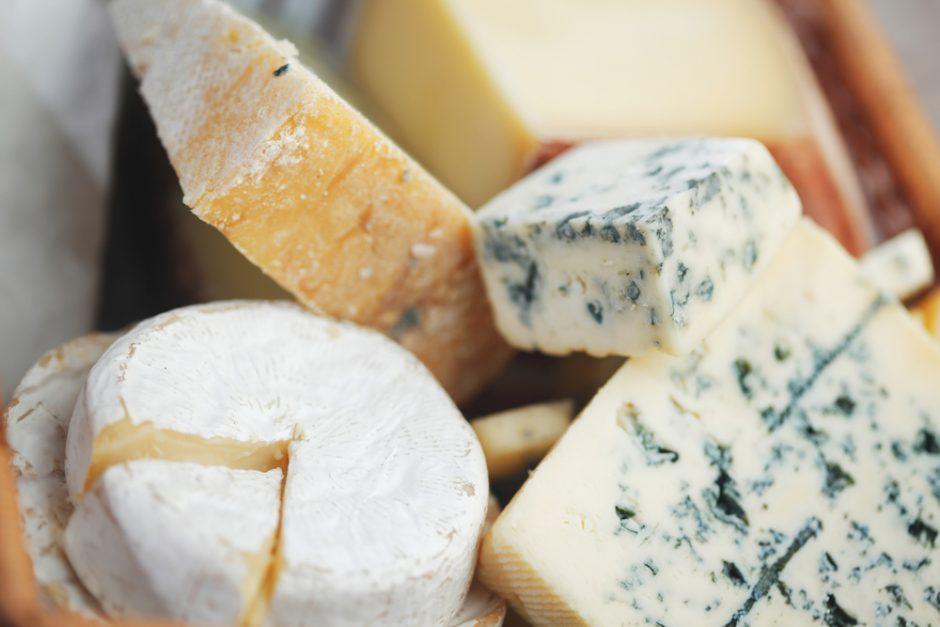 Kaip parduotuvės sūrių lentynoje rasti tikrą sūrį?