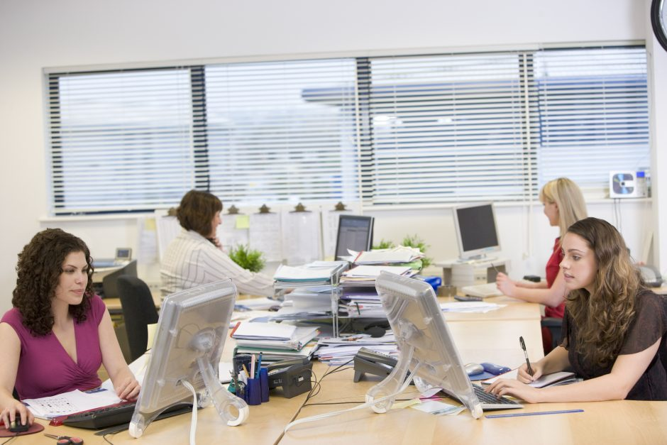Atviri biurai provokuoja pyktį ir stresą