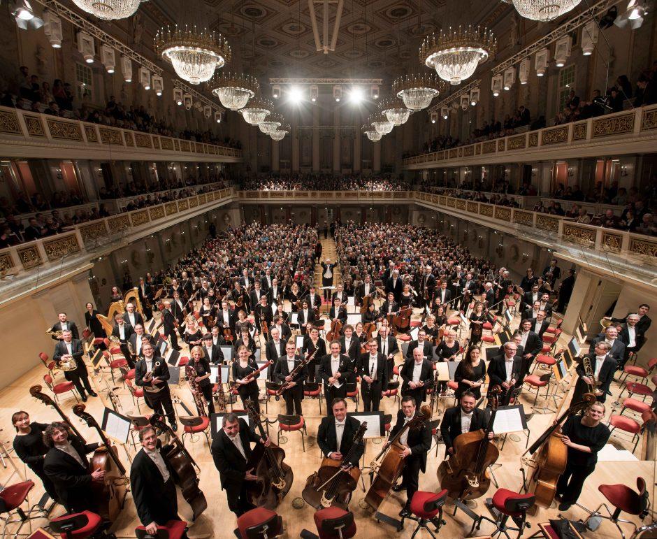 Naująjį sezoną Filharmonija kviečia į aklą pasimatymą su muzika
