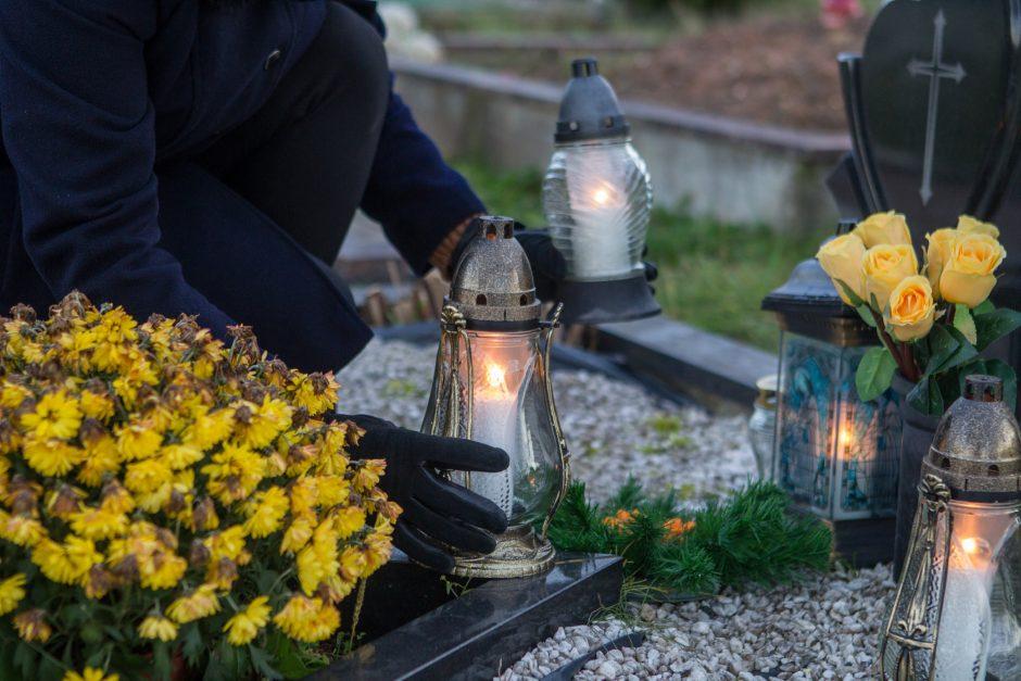 Nustatytos baudos už kremavimo, kapinių priežiūros pažeidimus