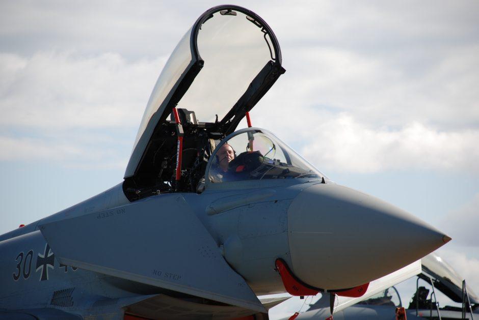 NATO naikintuvai keturis kartus lydėjo Rusijos karo orlaivius