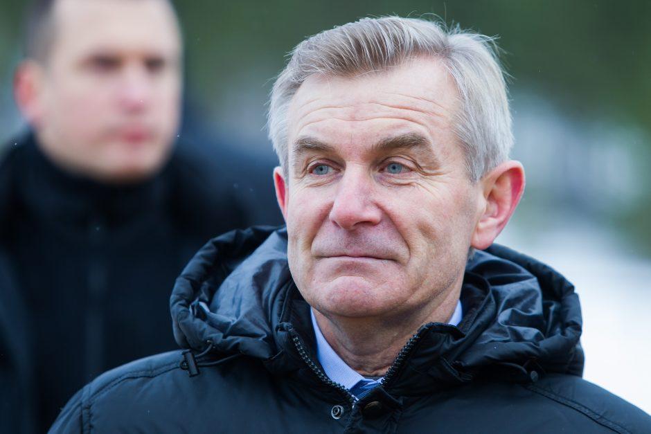 """Seimo pirmininkas su delegacija netilpo į """"Air Baltic"""" lėktuvą"""