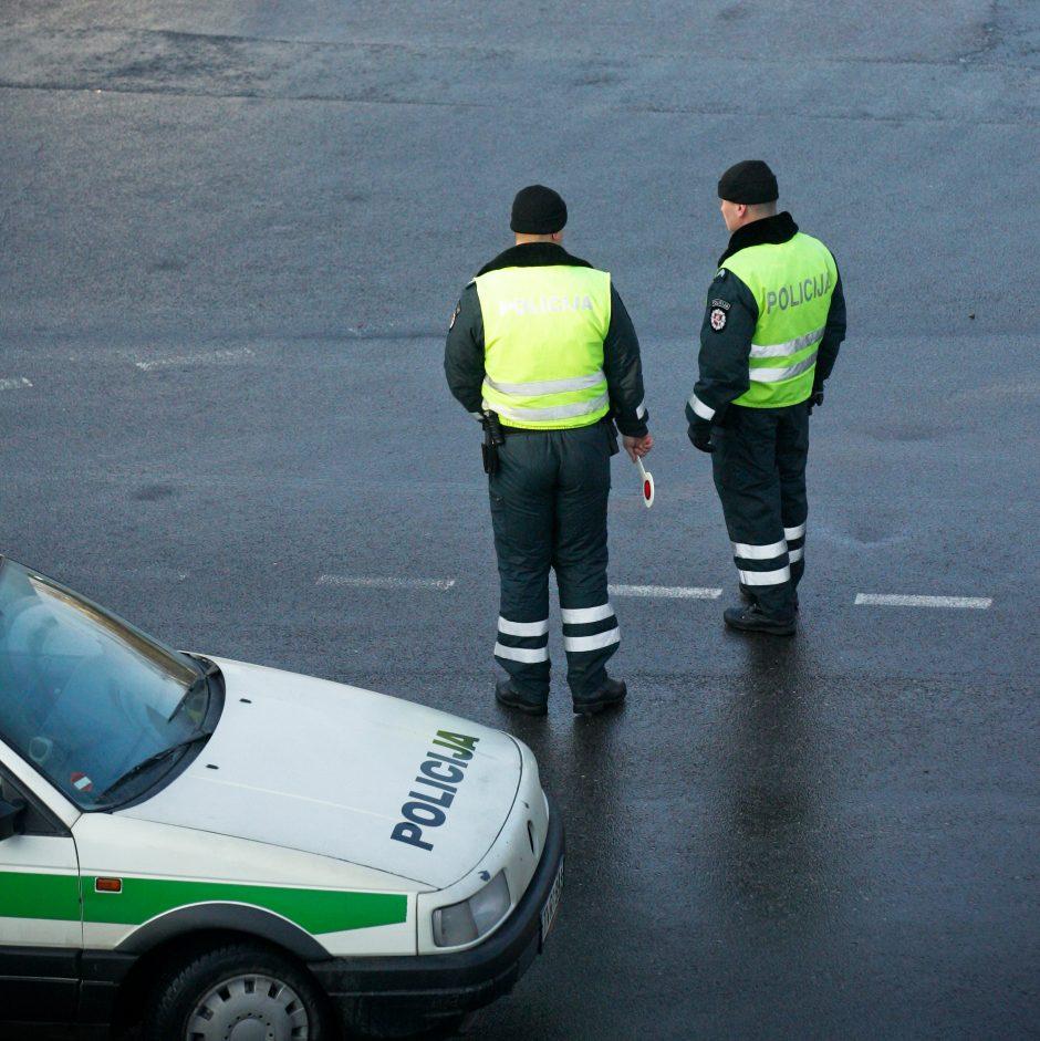 Savaitgalį du kartus bandyta papirkti Vilniaus kelių policijos pareigūnus