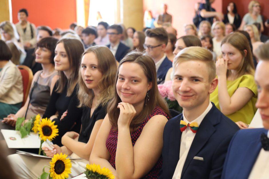 Abiturientai šimtukininkai atsisuko į kolegijas