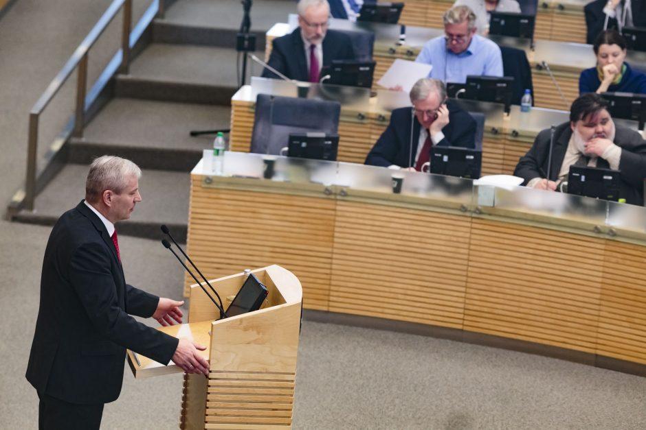 Politologai apie sprendimą dėl M. Basčio: tai kirs Seimo reputacijai