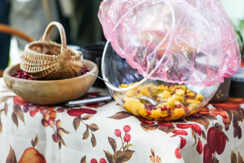 Panemunės bendruomenės jubiliejus: sveikuoliški saldainiai, romansai ir tinklinis