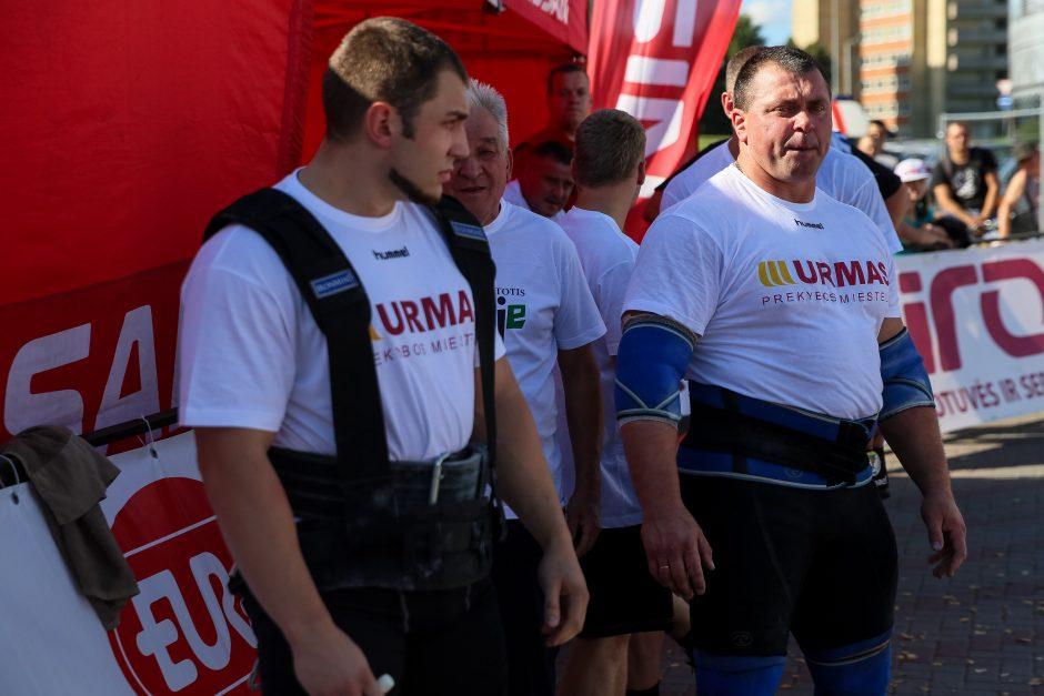Ž.Savickas -  Lietuvos galiūnų vilkikų tempimo čempionas