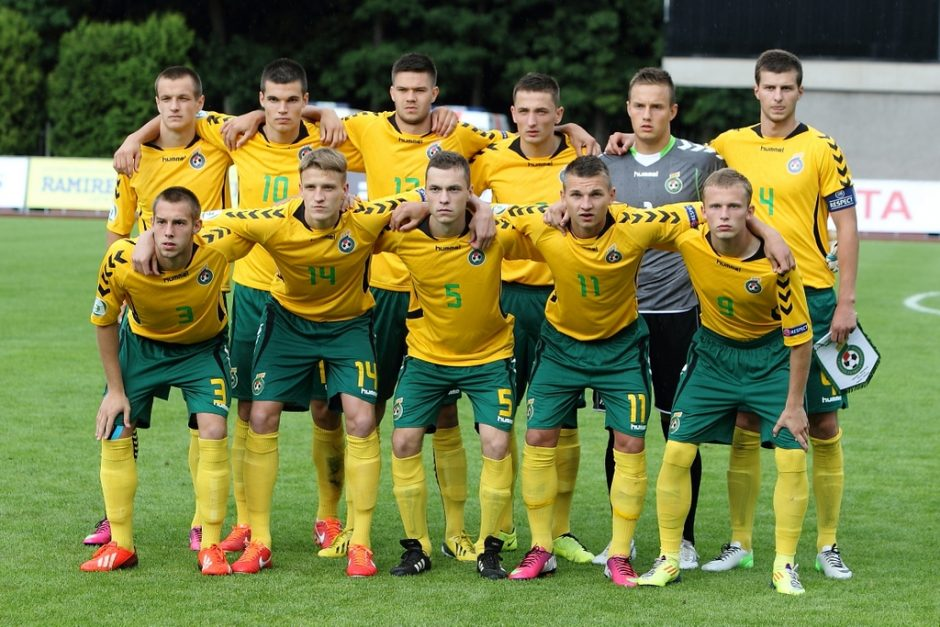 Antrose rungtynėse Lietuvos U-19 futbolo rinktinę egzaminuos Europos čempionai