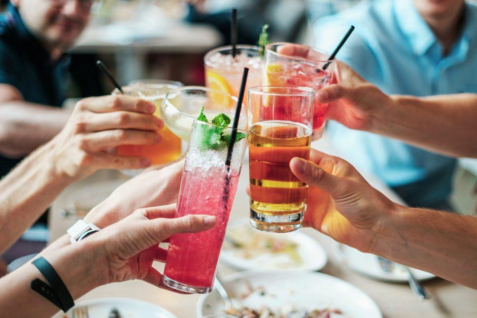 2016 metais dėl besaikio alkoholio vartojimo mirė per 3 mln. žmonių