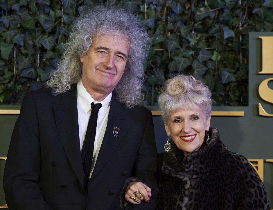 "Legendinis ""Queen"" gitaristas paatviravo uždraustomis temomis"