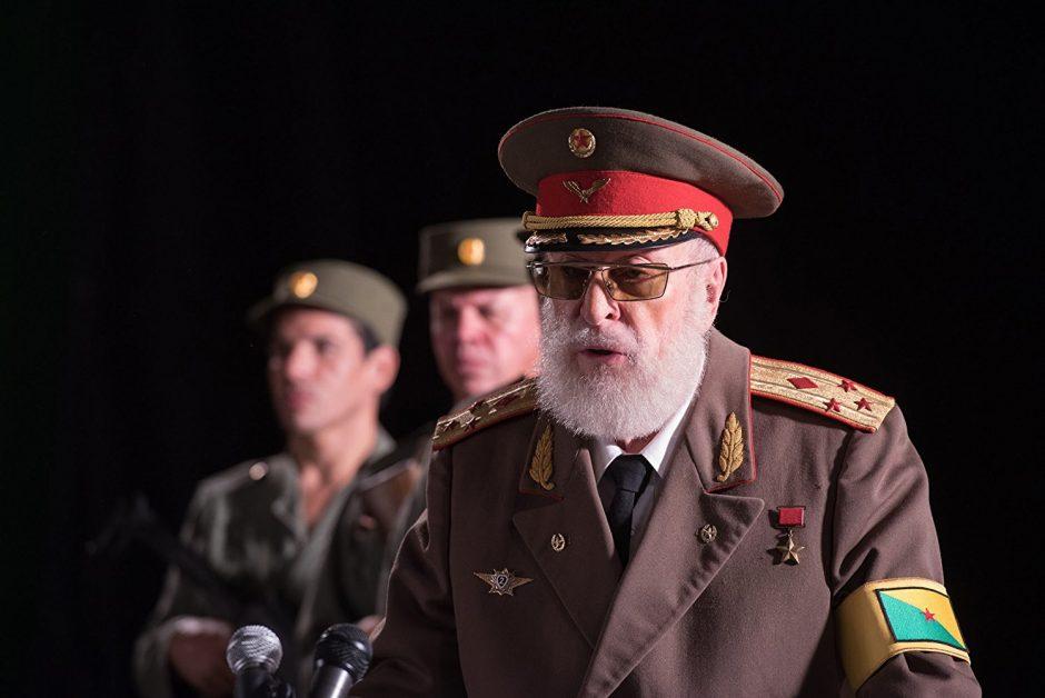Darboholikas kino aktorius M. Caine'as: nuo mergišiaus iki diktatoriaus