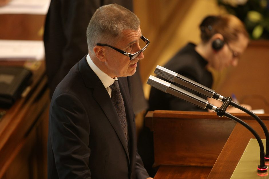 Čekijos mažumos vyriausybė laimėjo parlamento balsavimą dėl pasitikėjimo