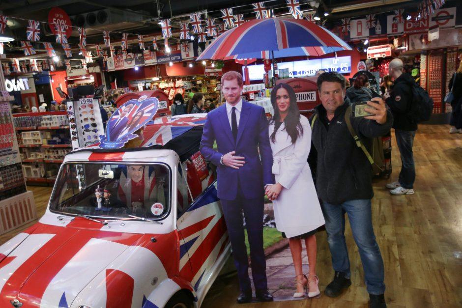 Didžiosios Britanijos ekonomikos augimui padėjo karališkosios vestuvės ir orai