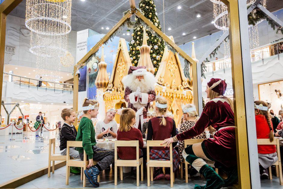 Mažųjų džiaugsmas Kaune: atgijo garsių pasakų įkvėptas Kalėdų miestas