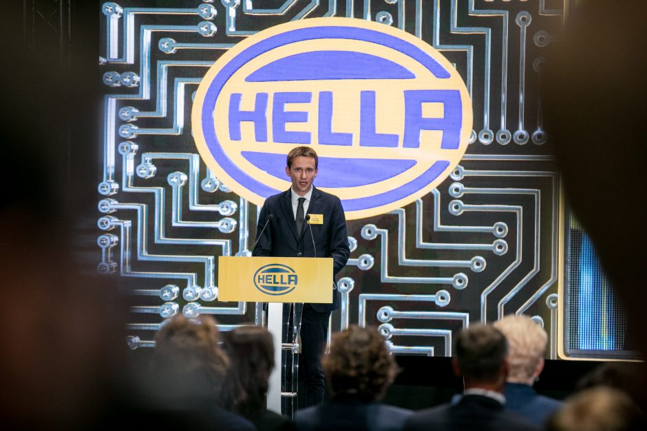 """Kauno rajone atidaryta Vokietijos """"Hellos"""" gamykla"""
