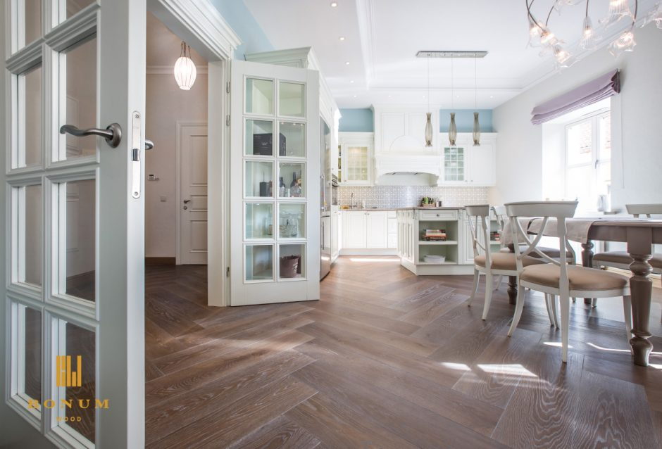 Kas bendro tarp medinių grindų ir viskio?