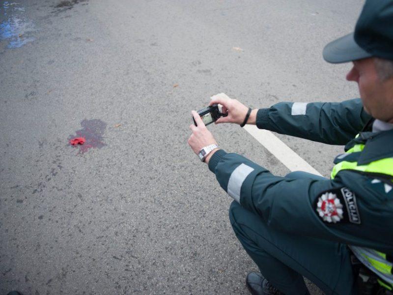 Žuvusiųjų keliuose skaičius kelia šiurpą: kas privers vairuotojus sumažinti greitį?
