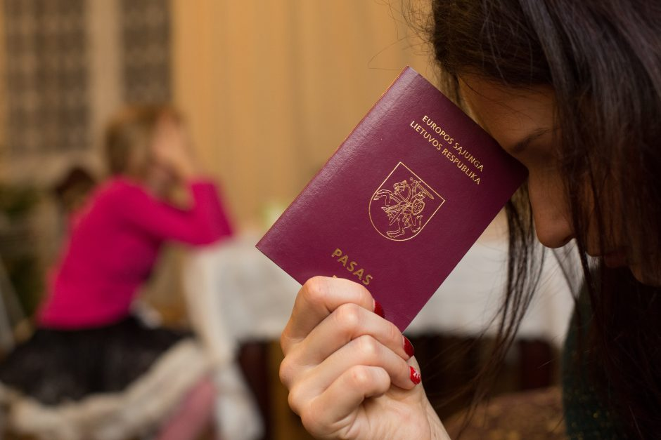 """Dar vienas projektas: """"w"""" leistų užsieniečių sutuoktiniams, bet ne Lietuvos lenkams"""