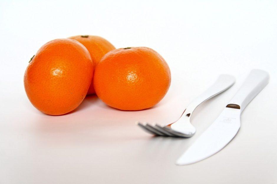 Stalo etiketas: kaip valgyti vaisius ir daržoves?