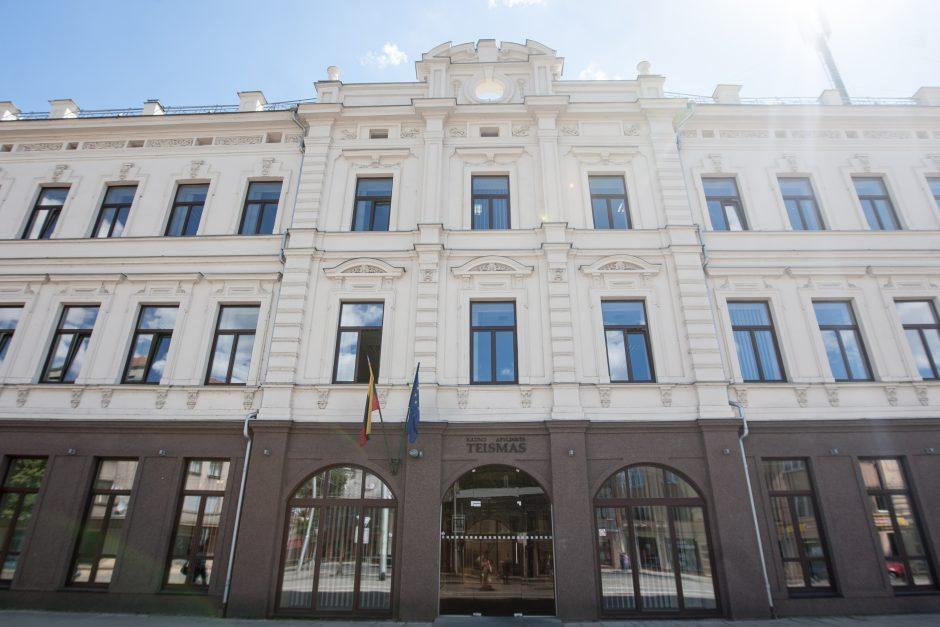 Teismas žinomą Kauno brokerį atidavė žmonos priežiūrai