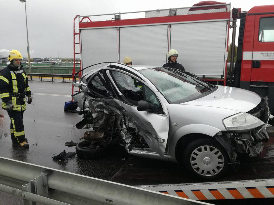 Šiurpi avarija apnuogino automobilių servisų realybę