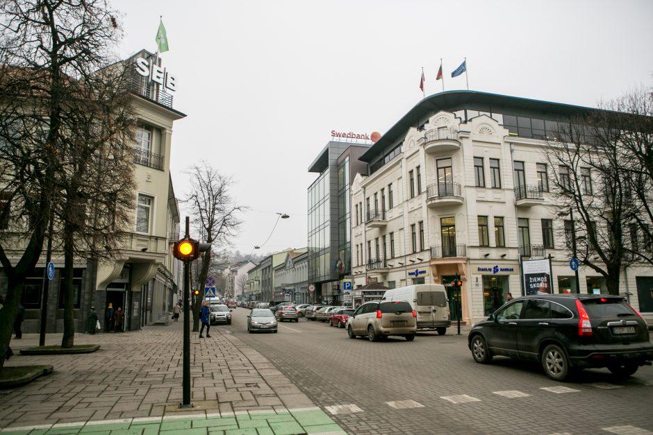 Maironio gatvės virsmas: bankai kelia sparnus