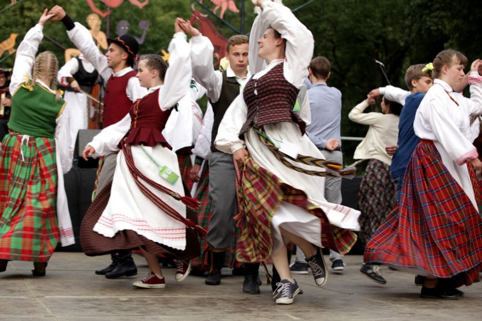 Tradicinis šokis ir vėl įsuks visą Lietuvą