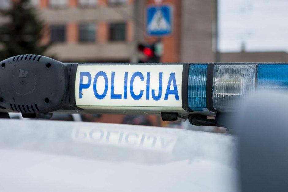 Vagystėmis Jonavos rajone įtariami jaunuoliai – suimti