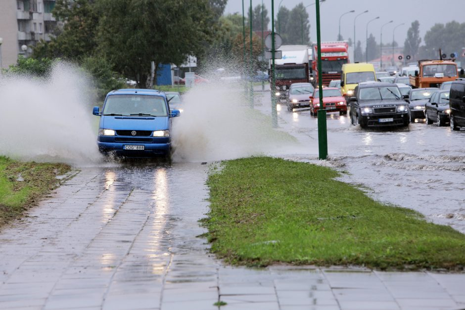 Uostamiestį vėl tvindė lietus (papildyta)