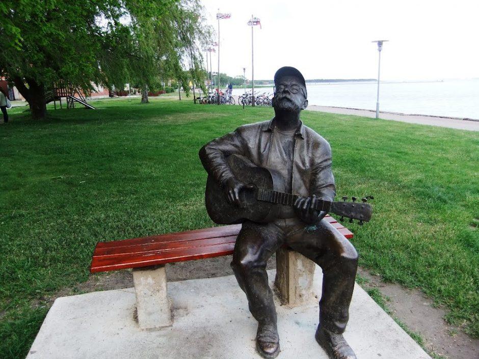 V. Kernagio skulptūros Nidoje prie marių žiemą nebus