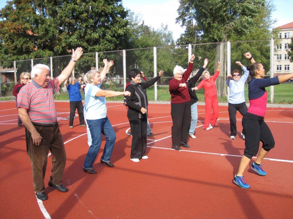Klaipėdos senjorams – šokiai, mankštos, treniruoklių salė (užsiėmimų grafikai)