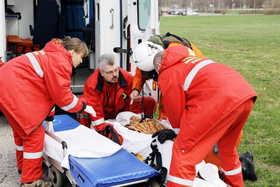 Į uostamiesčio ligoninę atskraidintas jūroje sąmonę praradęs laivo įgulos narys