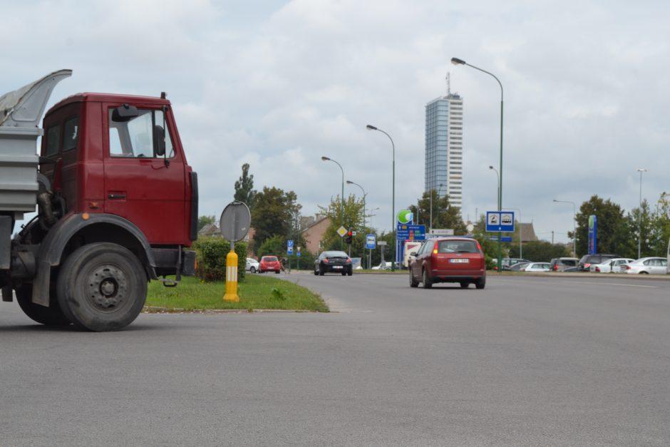 Kelio ženklai – vandalų taikinys