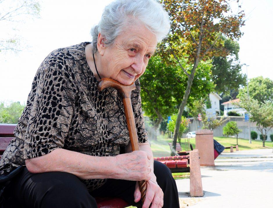Įprotis – gyventi va bank (moters pavardė figūruoja beveik 50-yje bylų)