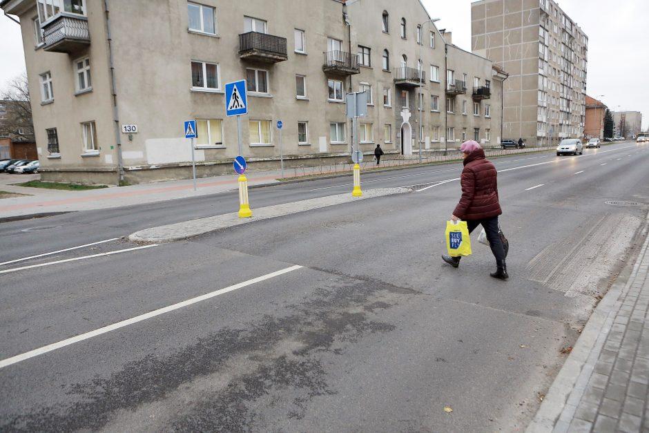 Minijos gatvėje vairuotojai pasigedo kalnelių žymėjimo
