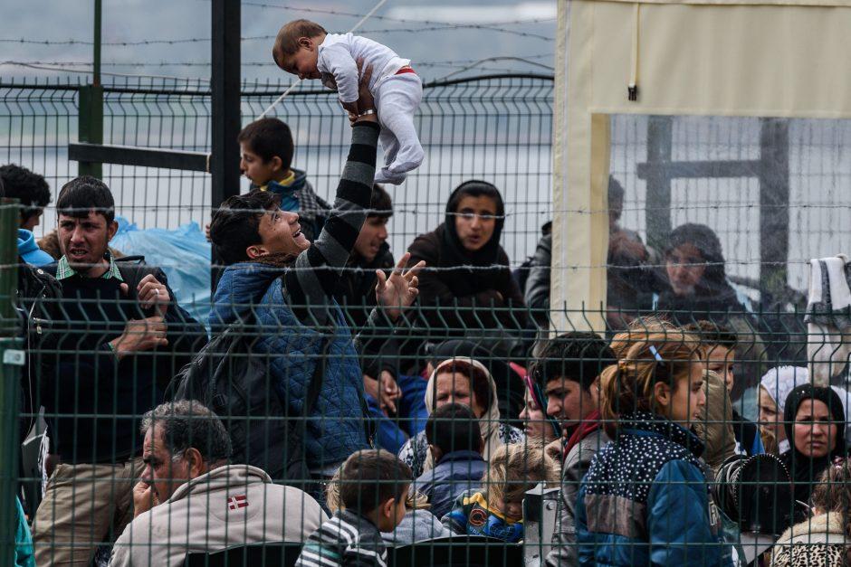 Čekijos premjeras: Europa pabėgėliams yra uždaryta