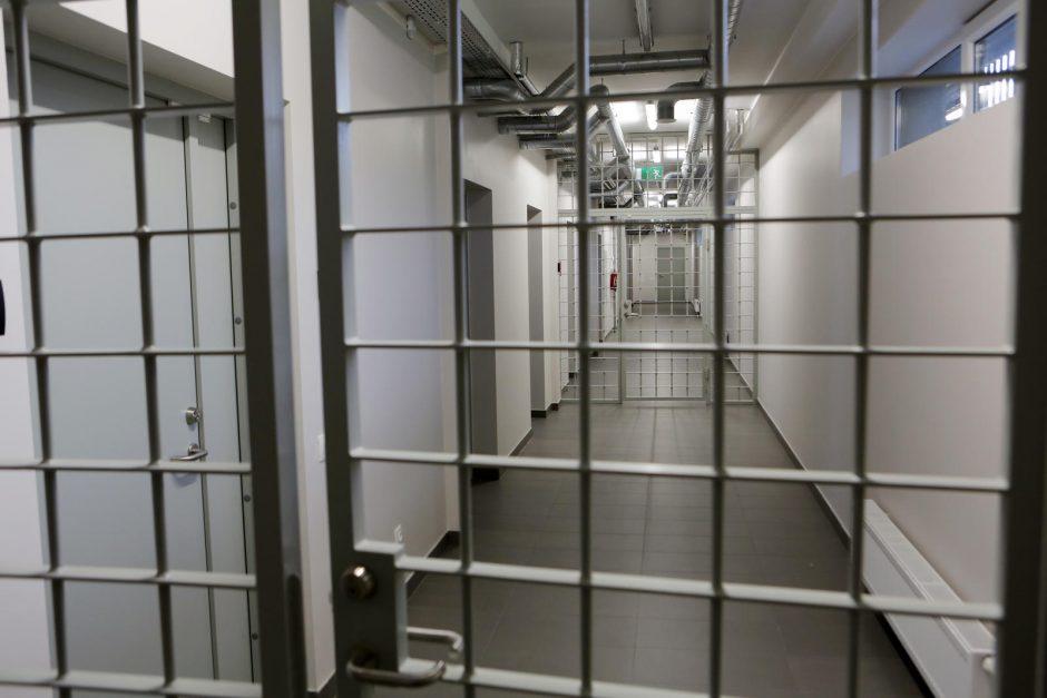 Degalinę Kalvarijoje apiplėšti bandęs Latvijos pilietis atsidūrė areštinėje