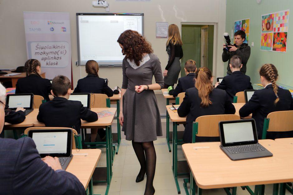 Ministrės patarėjas: pirmoji gera žinia mokytojams – jau pirmadienį