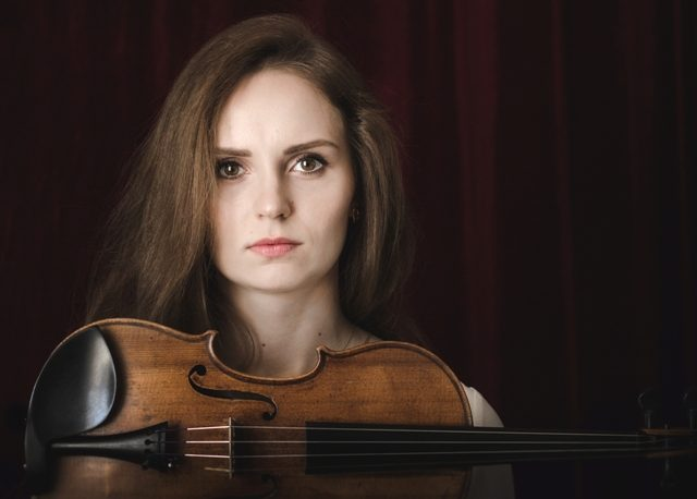 Smuikininkė L. M. Songailė: menininkai kuria pasaulį jautresnį