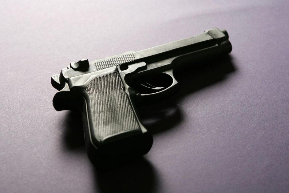 Šalia policijos nuovados Vilniuje rastas ginklas su šoviniais