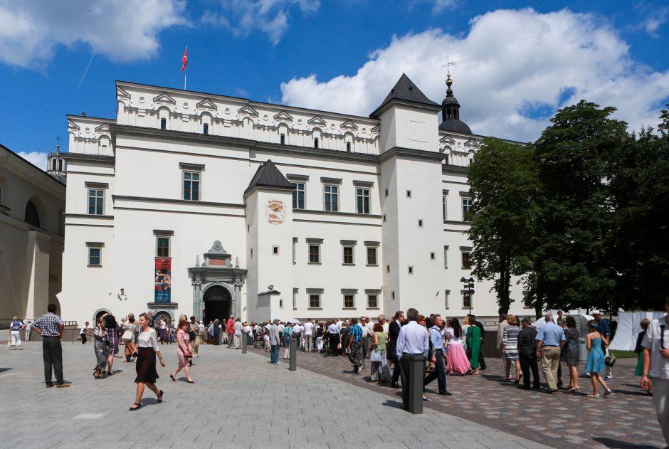 Gidas: lenkų turistai klausia, ar Lietuvoje nebus apmėtyti akmenimis