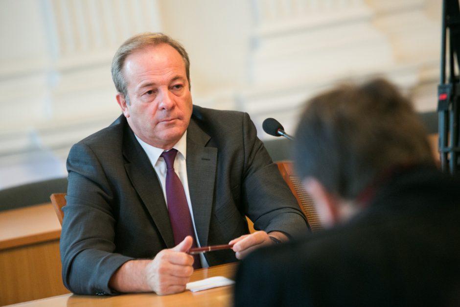 Vicemeras R. Adomavičius liko nušalintas nuo pareigų (papildyta)