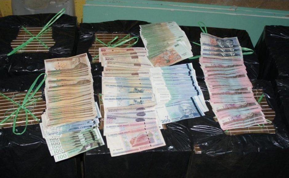 Išaiškinta PVM sukčiautojų organizuota grupė pinigus slėpė bunkeryje