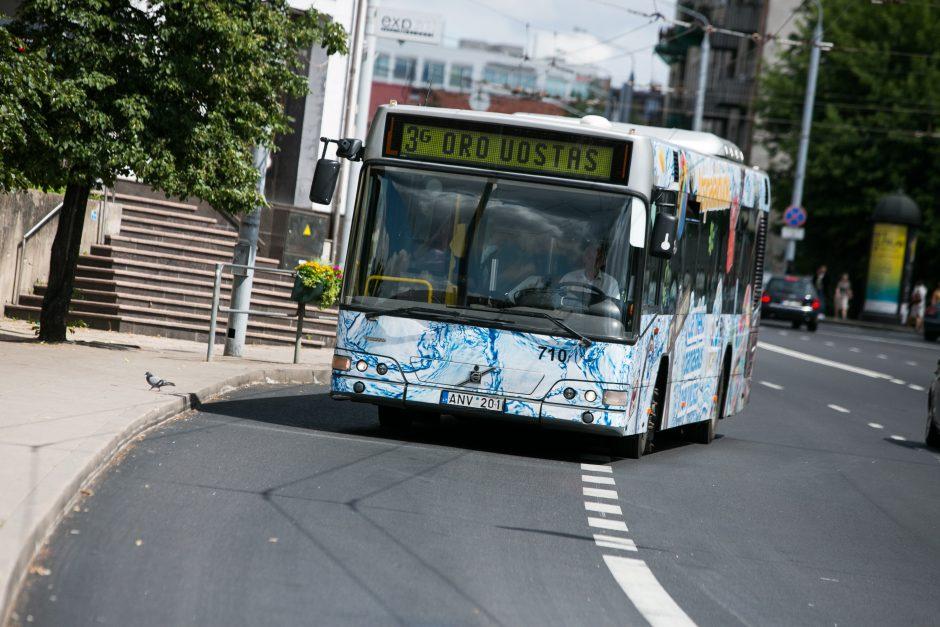 Vilniečiai apie nemokamas keliones autobusais: eilinis žmonių mulkinimas