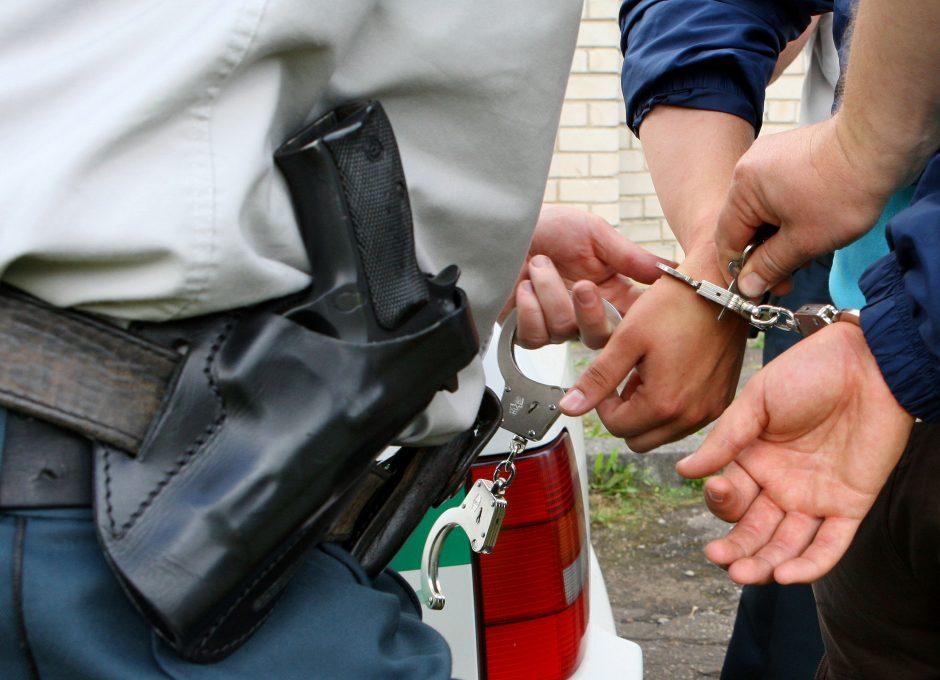 Vilniuje patruliai sulaikė įtariamuosius vagyste