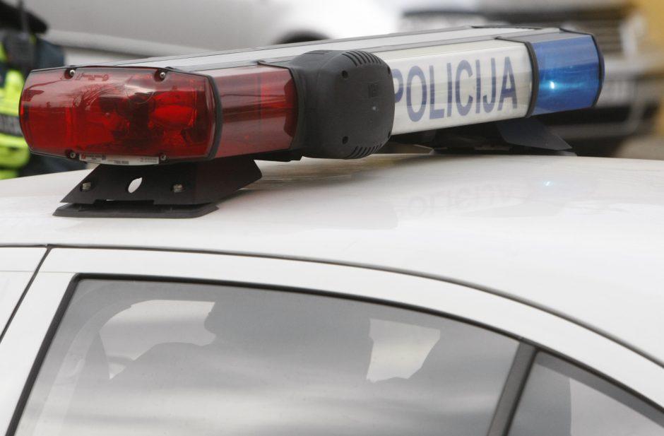 Iš seifo bute dingęs ginklas kitą dieną rastas prie daugiabučio Bandužių gatvėje