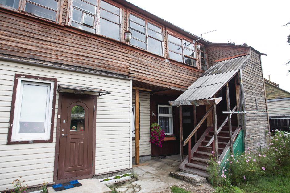 Žadėjo uždengti stogą – nugriaus namą